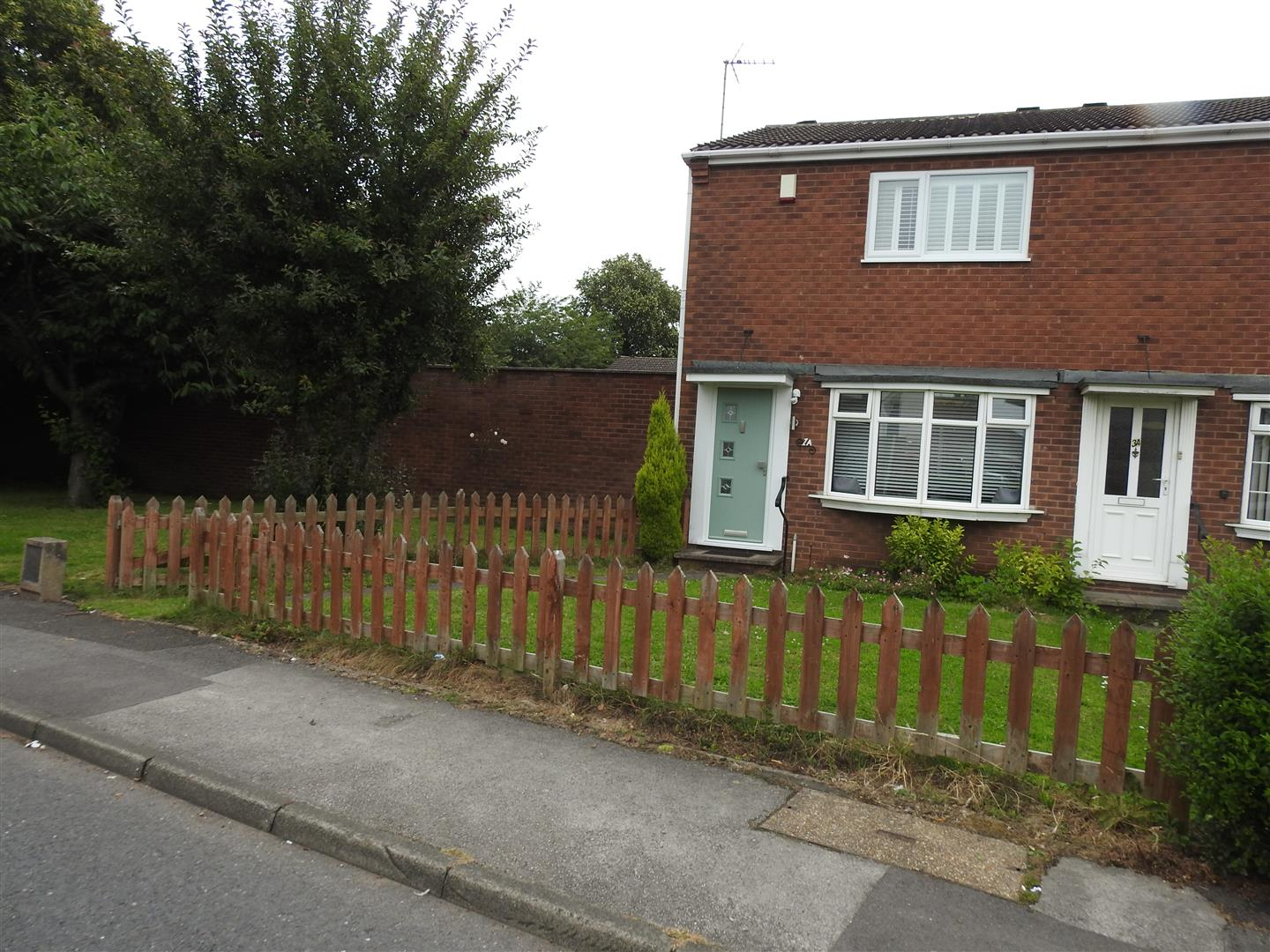 2 Bedrooms Semi Detached House for sale in Shortwood Avenue, Hucknall, Nottingham